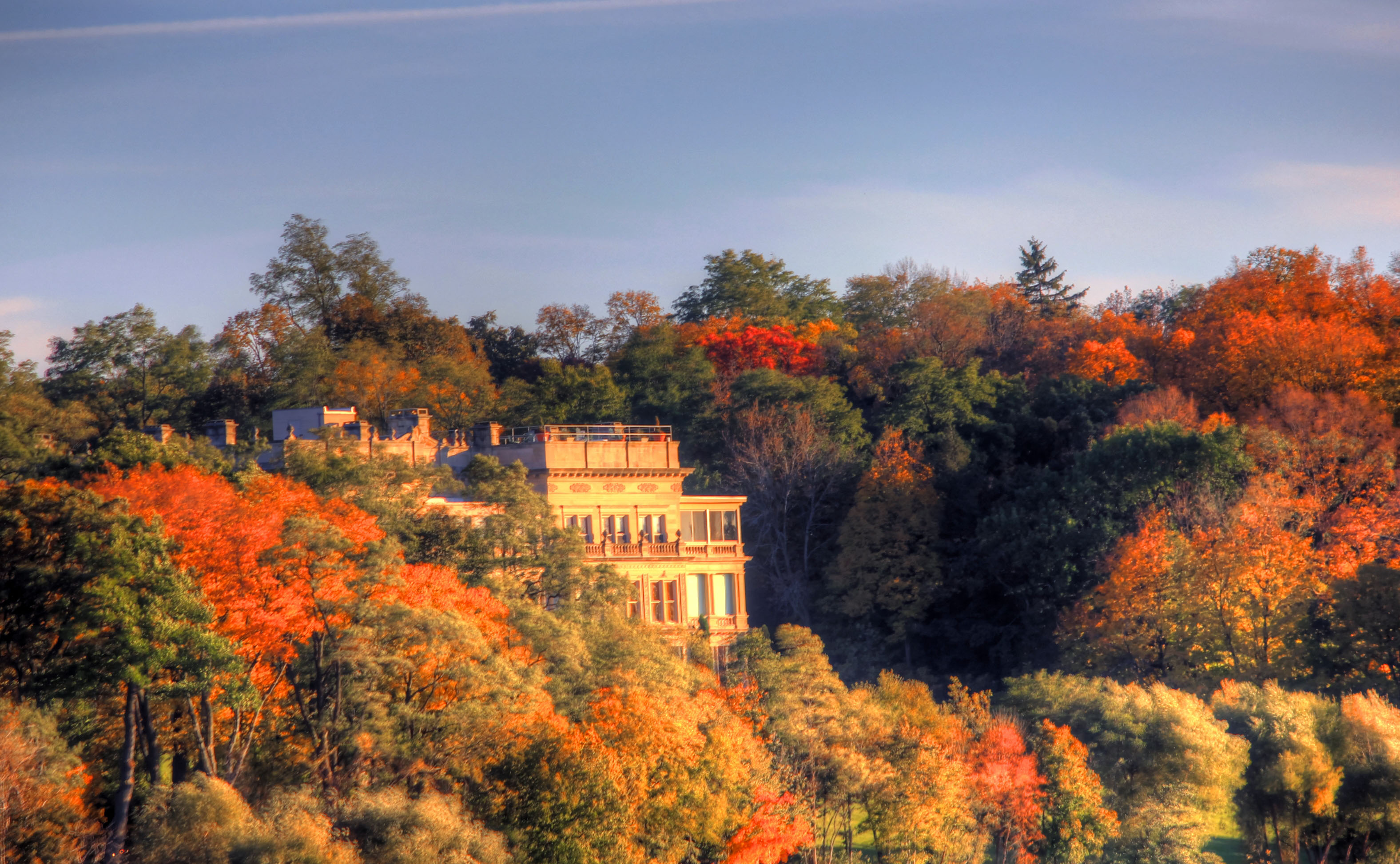 Fall Wallpaper For Desktop Background Mansion On The Lake At Lake Geneva Wisconsin Image Free
