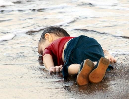 Aylan-bootvluchtelingen-God-spoelt-aan-in-Europa-GoodGirlsCompany-de-geboorte-van-Eurpopa