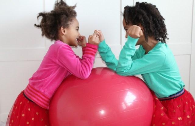 Maken wej watjes van onze kinderen-GoodGirlsCompany-opvoeding-generatie rubberen tegel