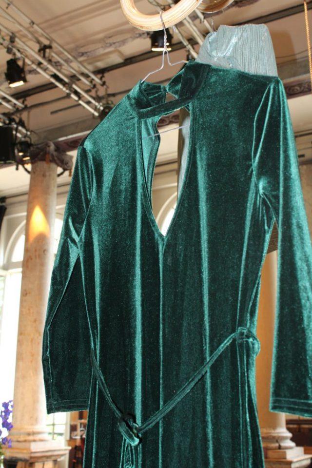 PrimarkAW16-GoodGirlsCompany-groene-fluwelen-catsuit
