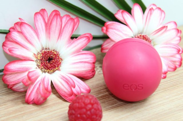 EOS Pomegranate Rasberry lipbalm-GoodGirlsCompany-EOS lippenbalsem