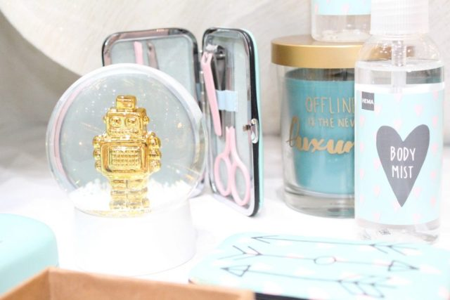 Hema-kerstevent-robot-snow-globe-GoodGirlsCompany