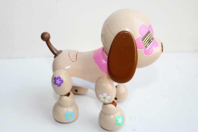 Review-Zoomer-Zuppies-puppy-Flora-GoodGirlsCompany