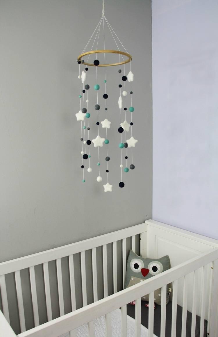Lifestyle spulletjes gemaakt van vilten bolletjes voor de baby  en kinderkamer