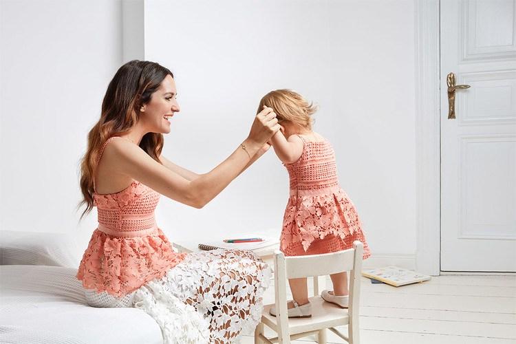 dezelfde kleding voor moeder en dochter van mint berry. Black Bedroom Furniture Sets. Home Design Ideas