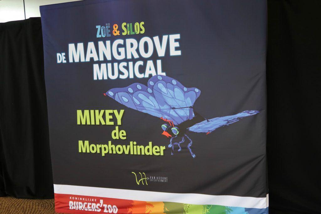 Zoe_en_Silos_De_Mangrove_Musical_Mickey_Burgers_Zoo_GoodGirlsCompany