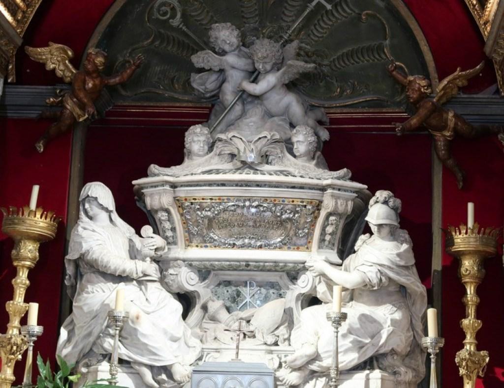 altaar-kathedraal van Sint Domnius-GoodGirlsCompany