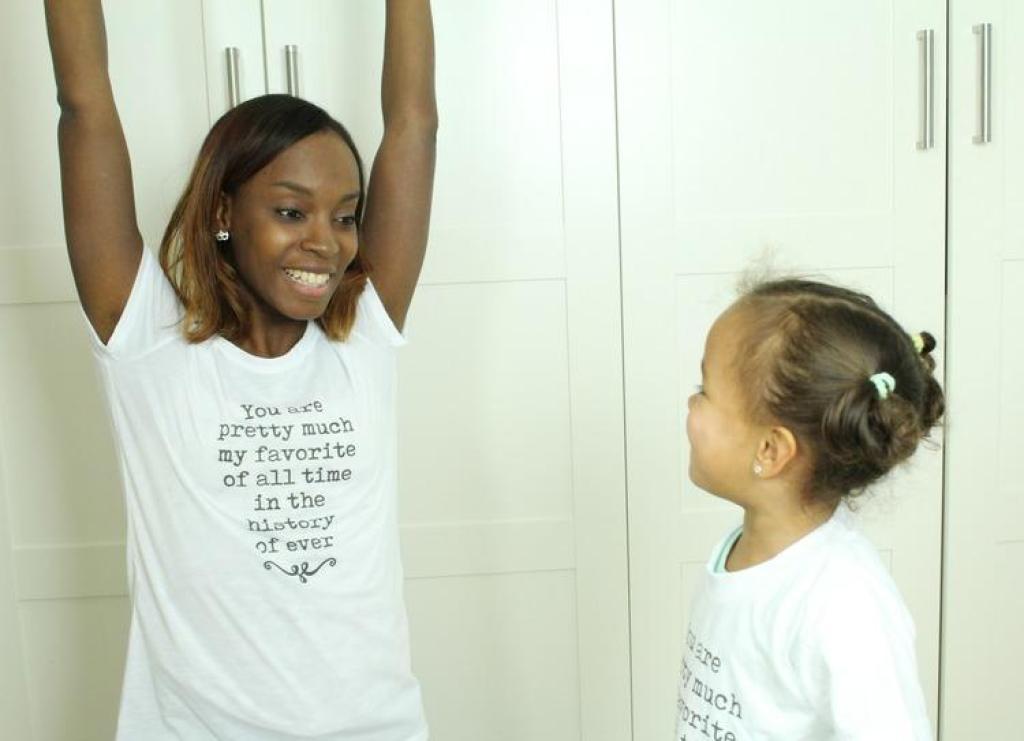 Twinnen in een T-shirt van Digitransfer
