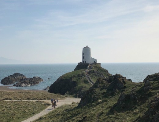 Tŵr Mawr lighthouse