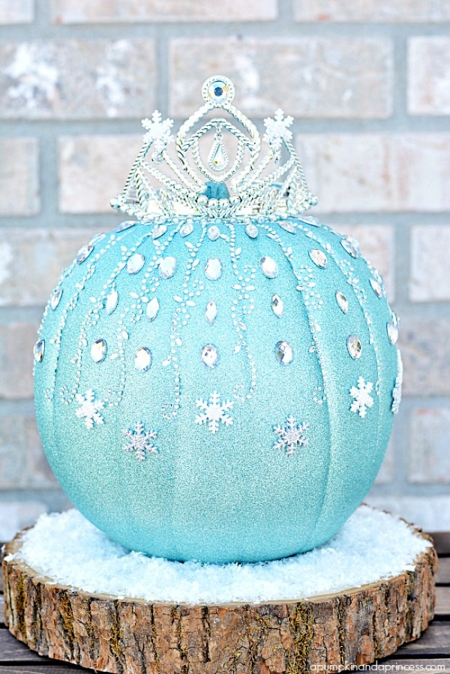 Disney-Frozen-Elsa-Pumpkin_The Millennial Mom