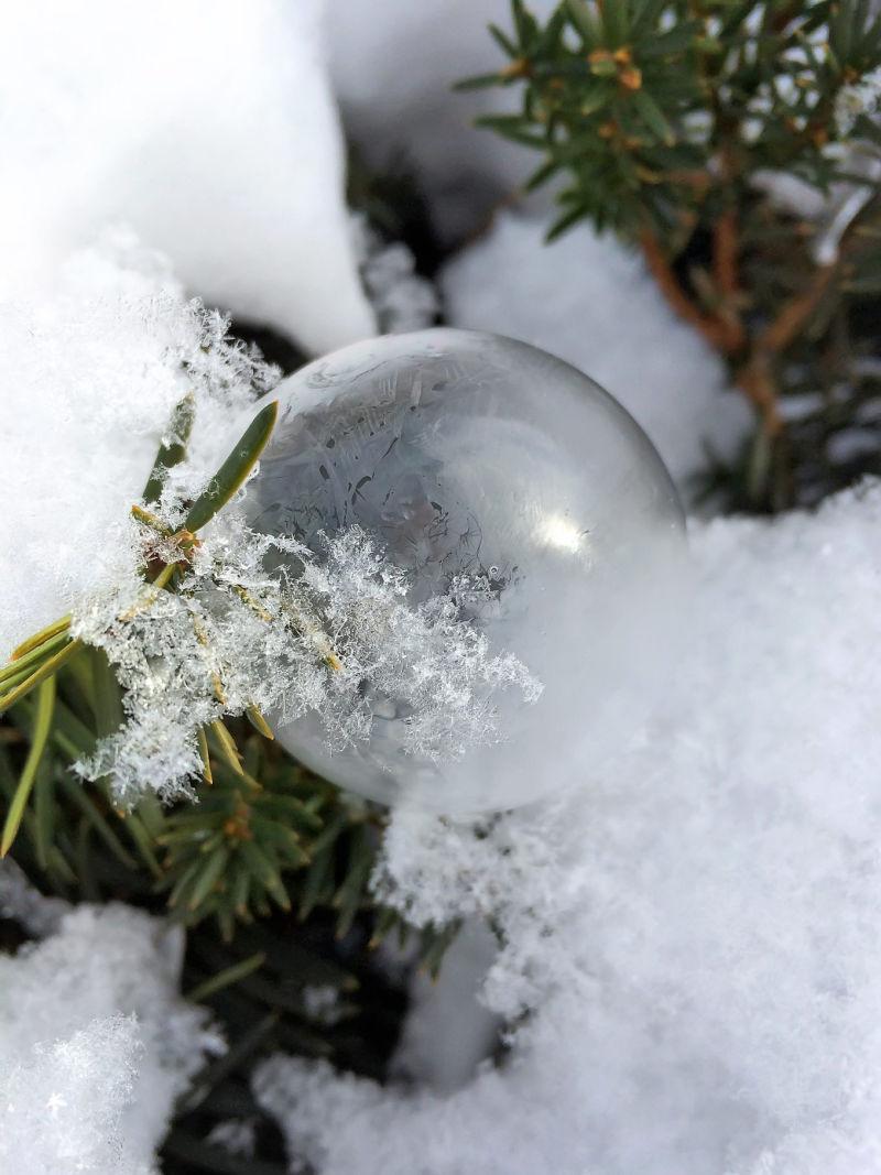 Sneeuw-bellen-blazen-themillennialmom
