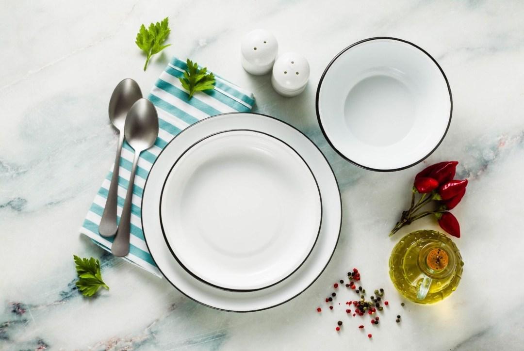 Emaille eetborden