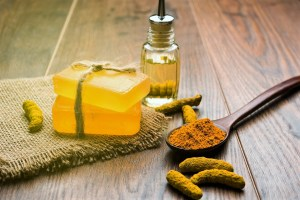 Read more about the article 6 Benefits Of Turmeric Essential Oil