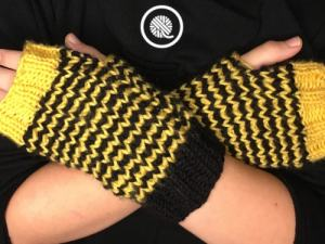 Youth Fingerless Mitts Pattern