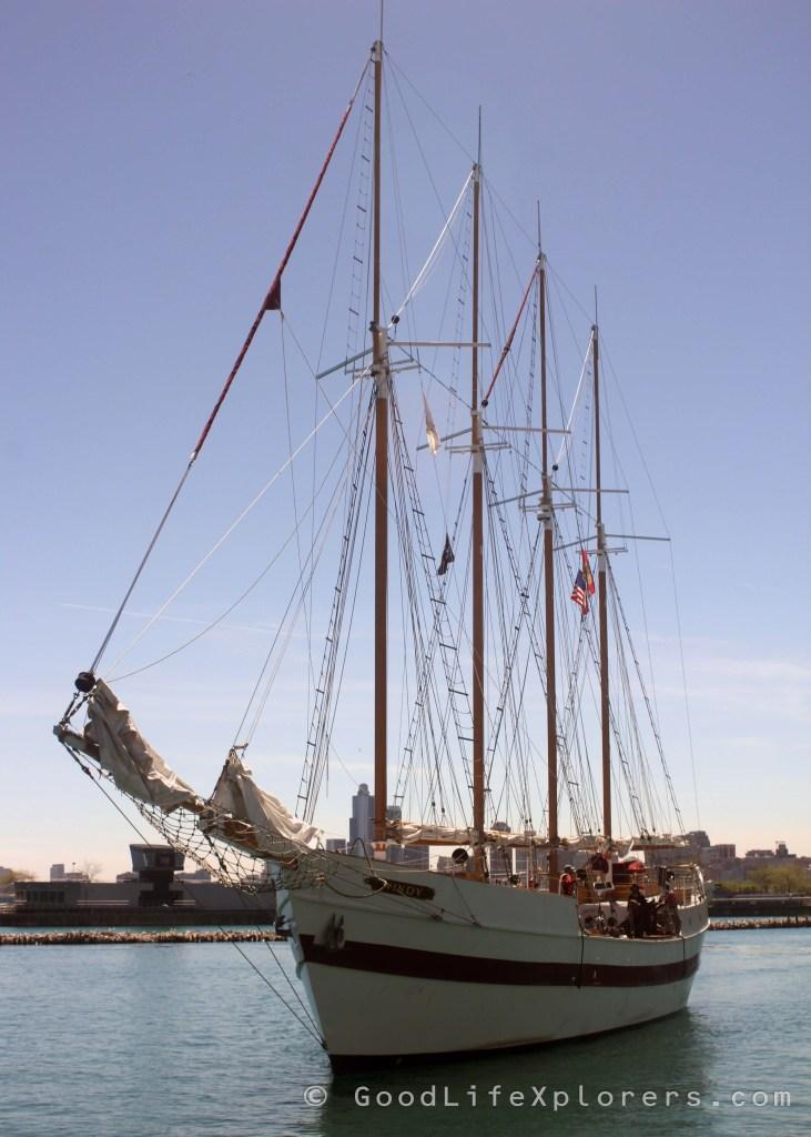Boat at Chicago Navy Pier