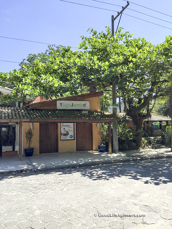 Store Front in Juquehy