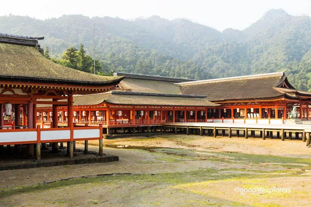 Itsukushima, Shrine, Shinto, Temple, Buddhism, Japan, Miyajima, Island, Hiroshima, Nature, culture, travel, travelblog, Itsukushima Shrine in Miyajima Island Japan