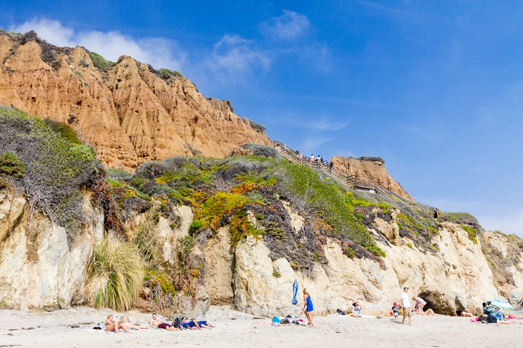El Matador Beach cliffs and beach