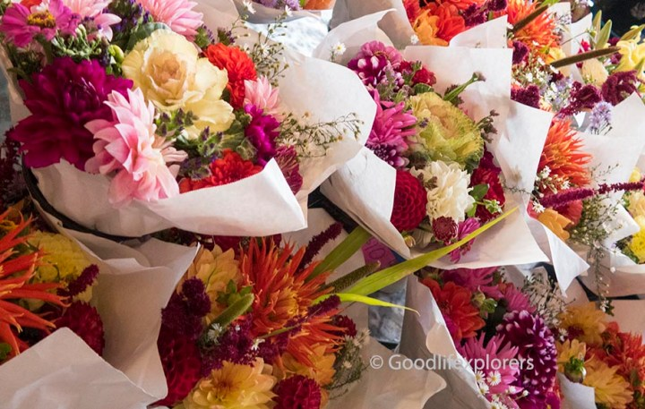 Seattle pike place market flowers
