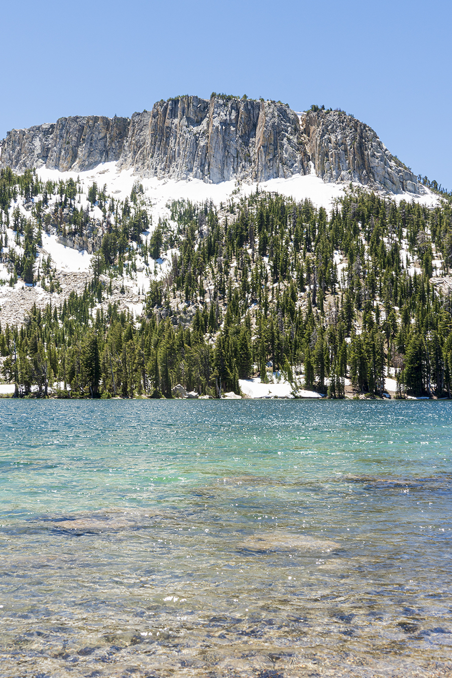 Mcleod Lake in Mammoth Lakes Basin California