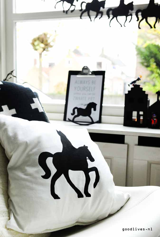 Cushion with Sinterklaas silhouette