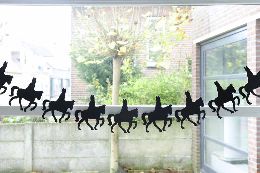 Sinterklaas silhouette garland
