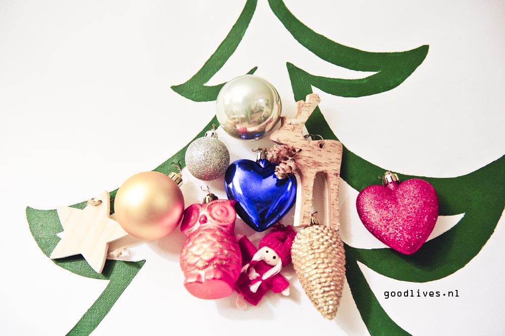 Closeup alternative Christmas tree on canvas on Goodlives.nl