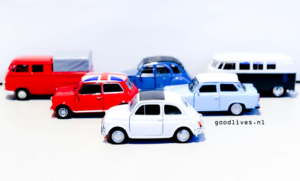 De auto's voor de DIY auto met kerstboom