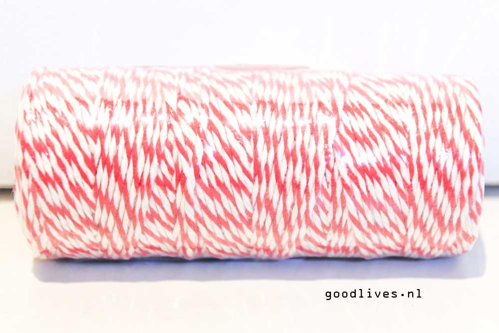 Het touw voor de DIY auto met kerstboom