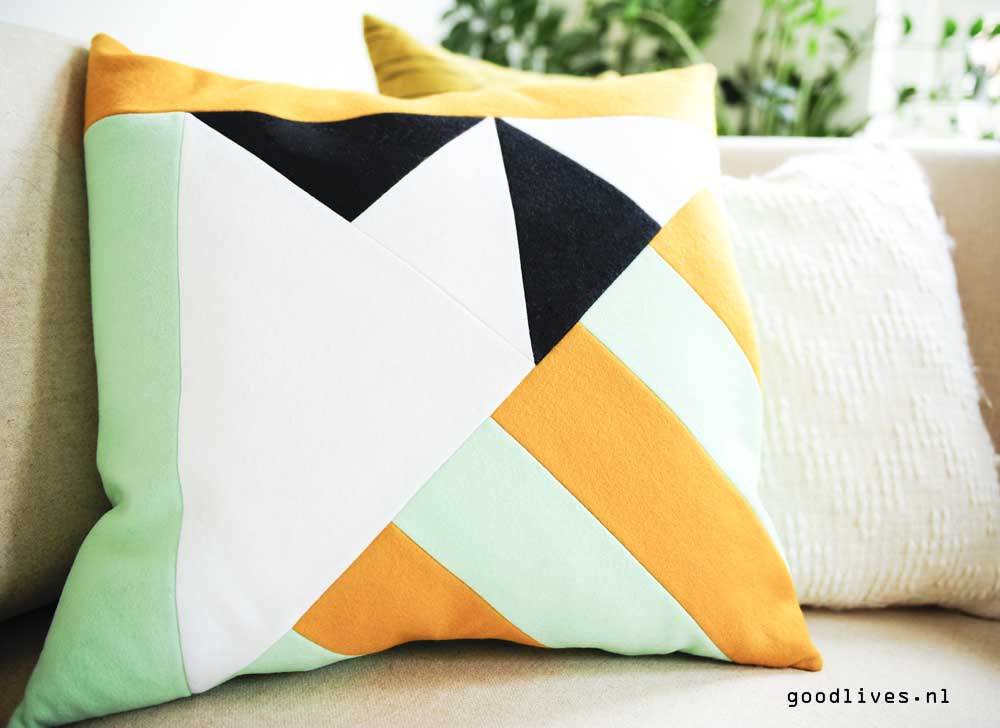 Haf pillow on the couch, Goodlives.nl