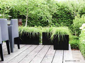 Plantenbakken klaar op terras