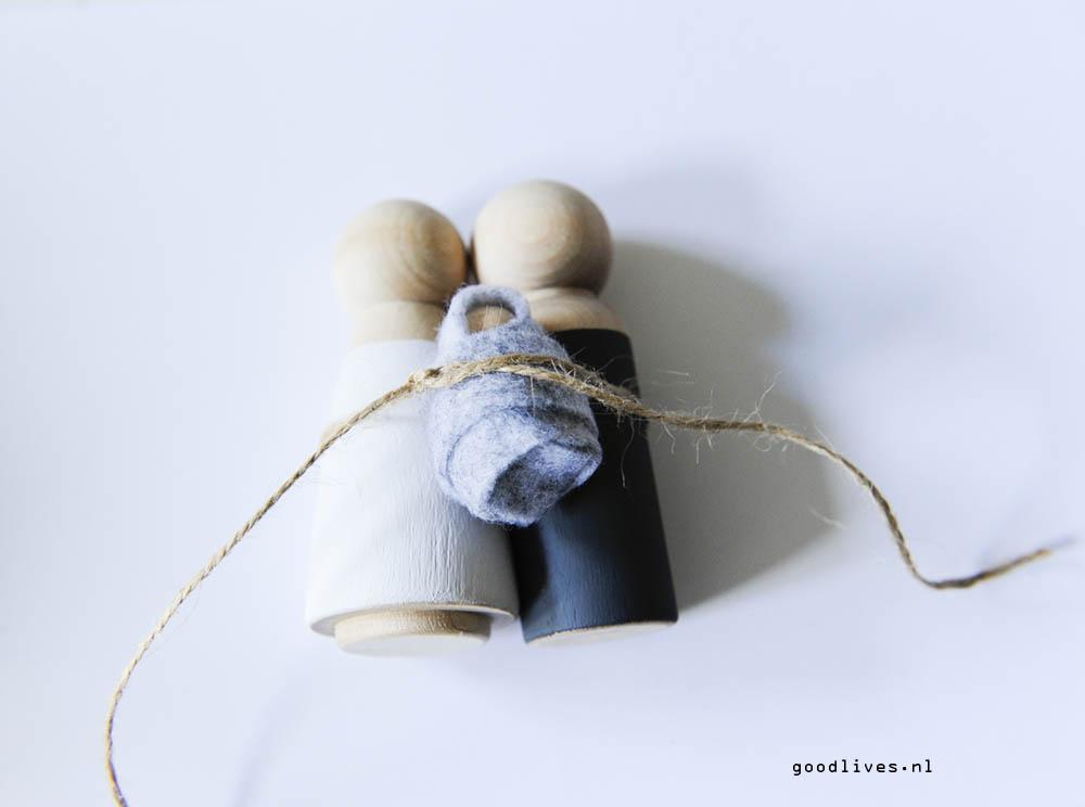 DIY kerststal - Knopen van de poppetjes