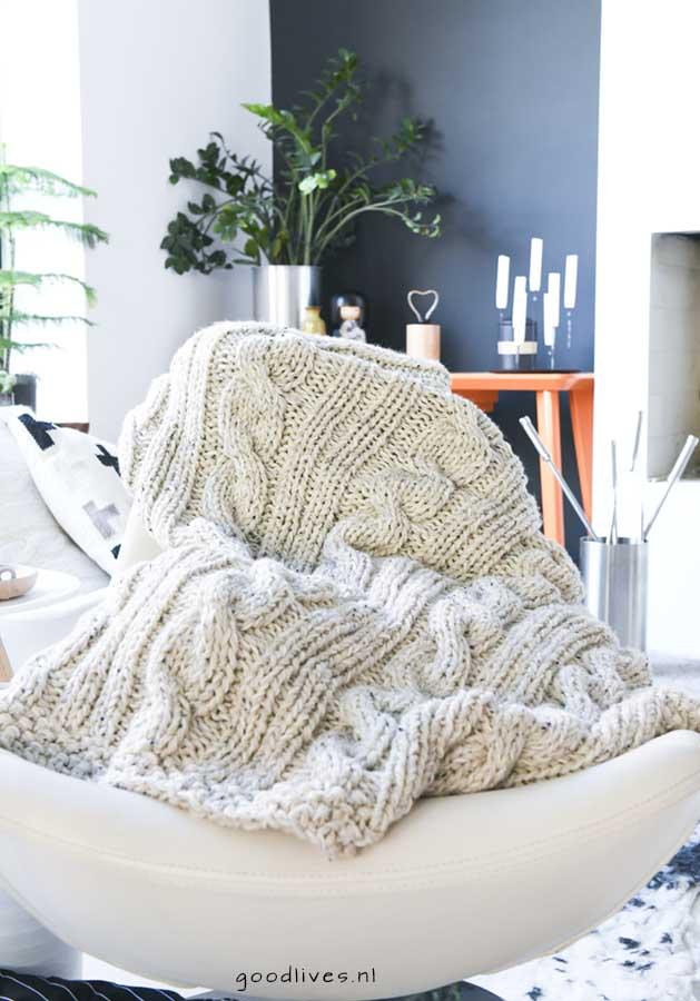 Knitting a beige cable blanket (DIY) - Goodlives
