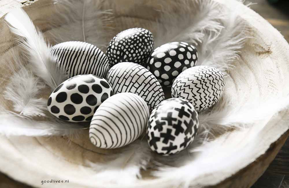 The eggs finished 3 , drawing eggs in black and white for Easter 2018 Goodlives