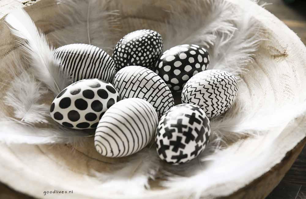 The eggs finished 3 , eieren in zwart wit tekenen voor pasen 2018 Goodlives