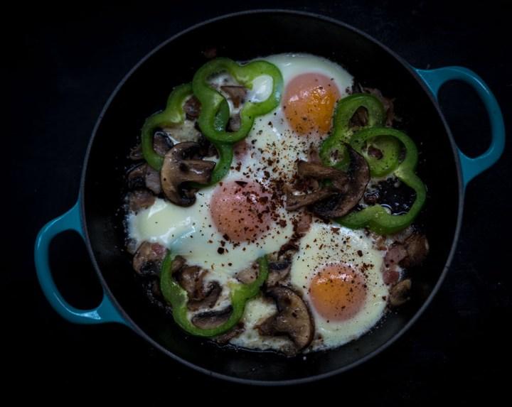 eggepanne med sopp og paprika