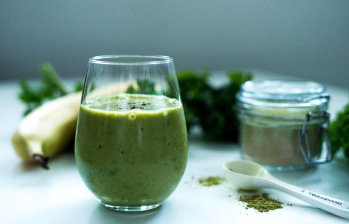 smoothie med grønnkål og matcha