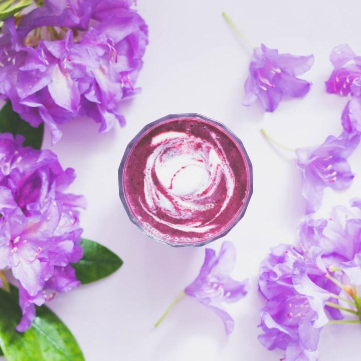 pære og skogsbær smoothie
