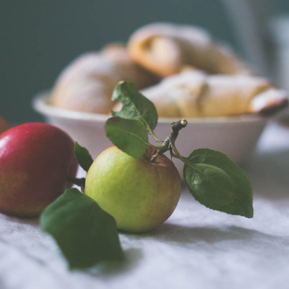 Horn med marsipan og eplefyll