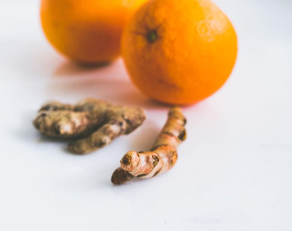 gurkemeie og ingefærshot