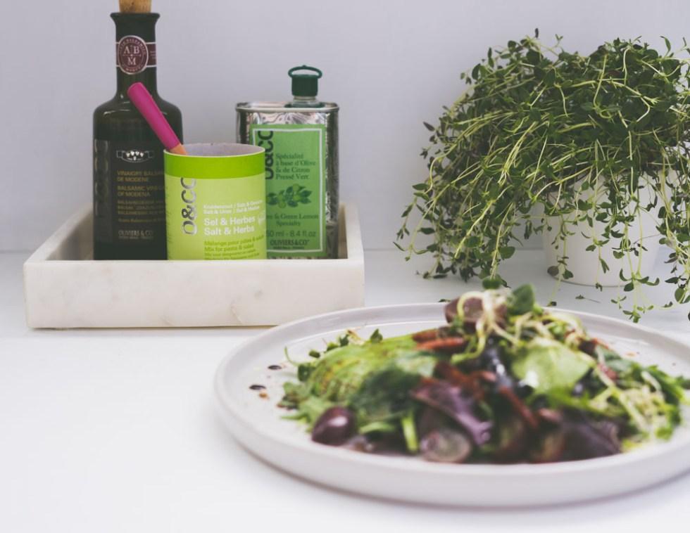 salat med avokado og druer