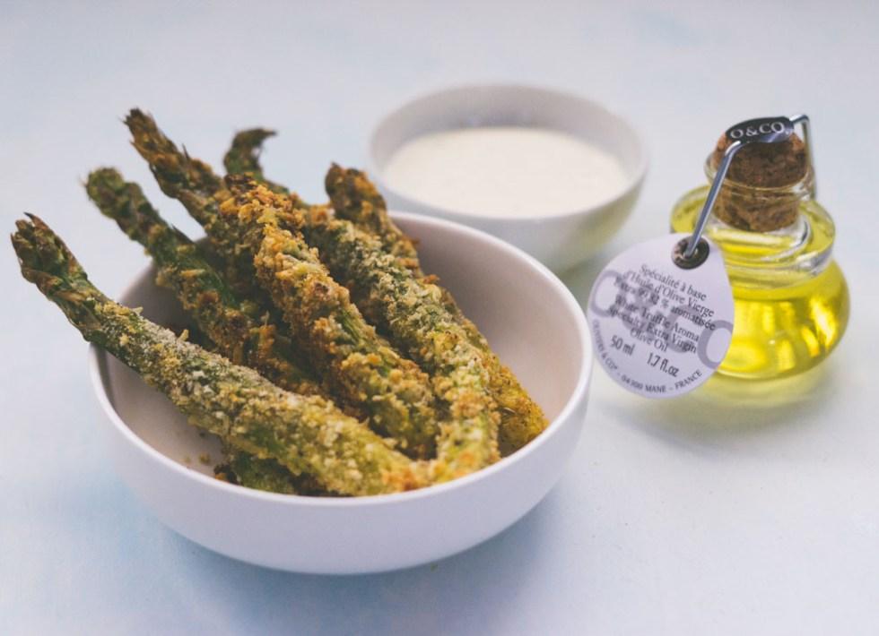 Ovnsbakte asparges med parmesan og trøffeldip