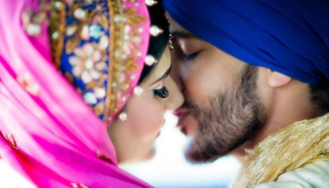 Love Couple Wallpaper With Quotes In Hindi Punjabi Couple Pics And Punjabi Couples Wallpapers For