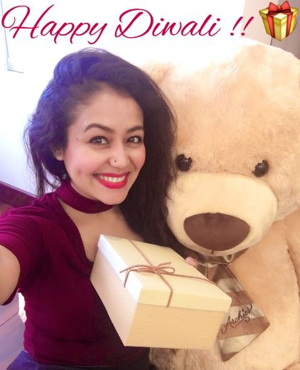 Girl Pakistani Wallpaper Hd Dp Neha Kakkar Ki Photo And Images Neha Pics And