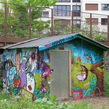 La Petite Ceinture Paris - in the community garden