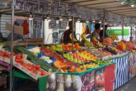 Marche Aligre Paris-colourful stand