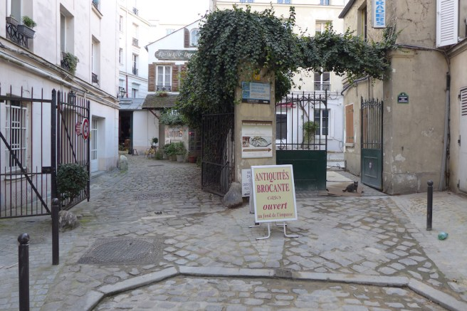Exploring Passy-Paris-The impasse des carrieres