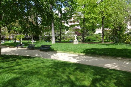 Parc Monceau Paris - Benches