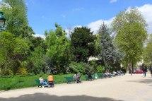 Parc Monceau Paris - Benches in the sun