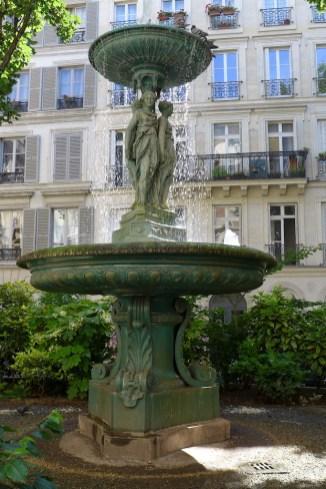 Fountains Paris-cite trevise-05